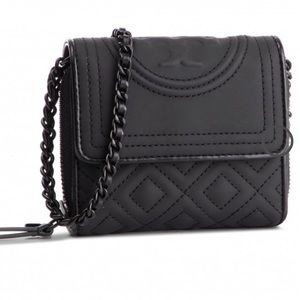 Authentic Tory Burch Quilted wallet/chain Crosby🌼